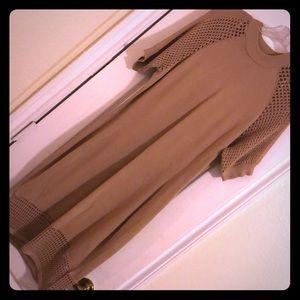 Short-Sleeved Midi Slinky Dress
